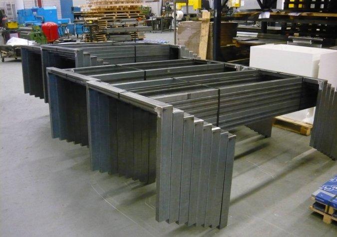Stalen werktafel frames afa metaalbewerking for Stalen onderstel tafel laten maken